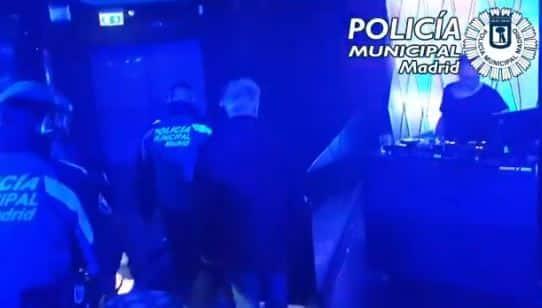 La Policía interviene en un conocido local de Madrid.