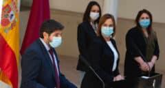 El PP y Vox lograrían la mayoría absoluta en Murcia, según una encuesta de 'La Verdad'