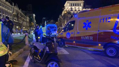 Muere un motorista al chocar contra otra moto en la plaza de Cibeles de Madrid