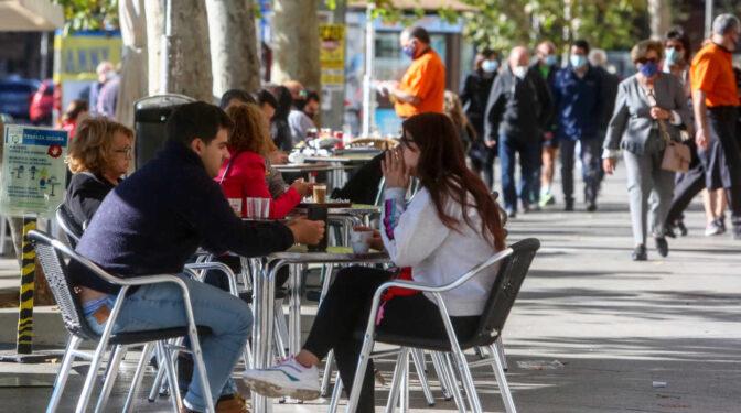 La Comunidad de Madrid cierra seis nuevas zonas de Salud y tres municipios