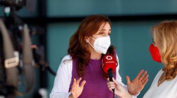 """Mónica García (Más Madrid): """"Ayuso salva antes la Navidad o el turismo de borrachera que a la población de la pandemia"""""""