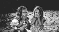 SOS, mi hijo se toca: cómo hablar a los niños de sexualidad sin morir en el intento