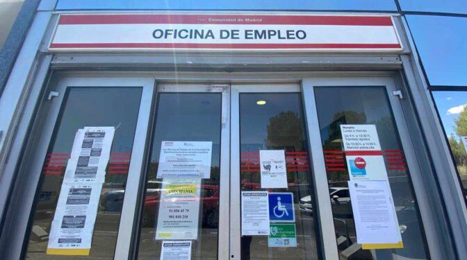 """El SEPE ofrecerá hacer """"horas extra"""" a los funcionarios para compensar la acumulación de gestiones"""