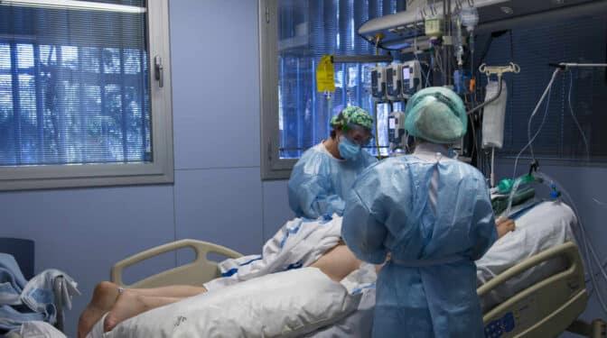 Sanidad notifica 6.137 nuevos contagios y 446 muertes más en las últimas 24 horas