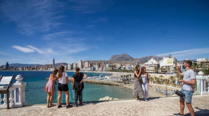 El turismo no volverá a hacer su agosto hasta el verano de 2023