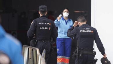 Cataluña vacuna a policías y guardias civiles 12 veces más lento que el resto de comunidades