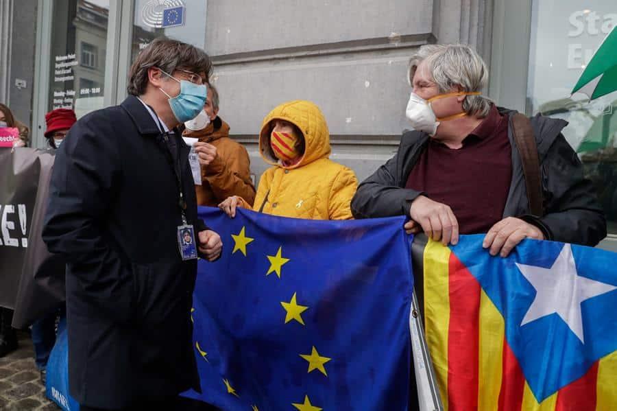 Carles Puigdemont, en Bruselas tras retirársele la inmunidad del Parlamento Europeo.