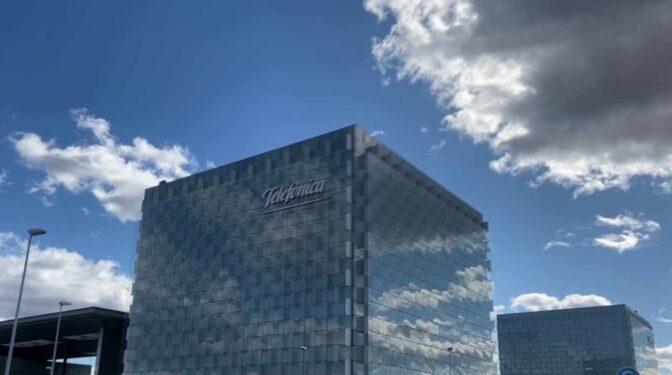 Telefónica abonó casi 10 millones por la empresa que pagaba bonus a su ex jefe de ciberseguridad