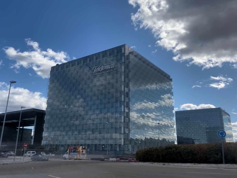 Edificio donde se encuentra la sede de Telefónica ubicada en Ronda de la comunicación, Madrid