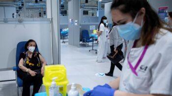 Madrid empezará a vacunar a los mayores de 70 años a mediados de abril