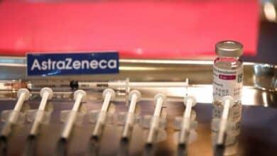 Reino Unido recomienda usar Pfizer o Moderna a los menores de 30 años