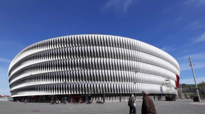 Bilbao, la sede imposible de la Roja 'infectada' de Covid y política