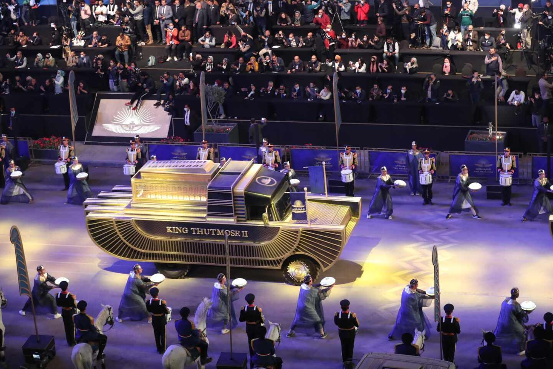 Vista general del Desfile Dorado del Faraón en la plaza Tahrir, en El Cairo, Egipto.