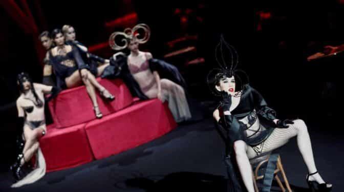 Andrés Sardá: cuando la moda se codea con la sensualidad