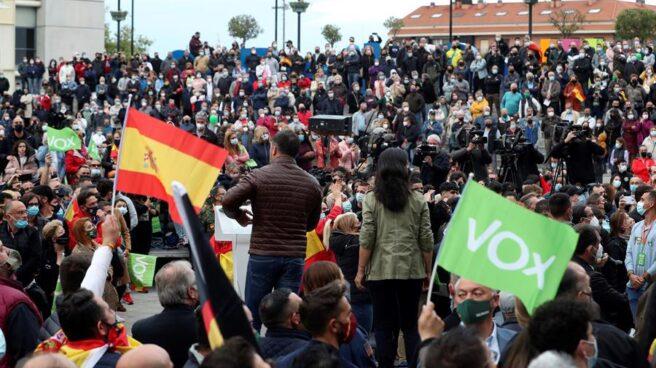Elecciones 4-M: Abascal y Monasterio en el mitin de Vox en Fuenlabrada.