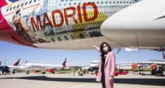 Isabel Díaz Ayuso durante la presentación del avión de la compañía Iberia con la imagen de la Comunidad de Madrid