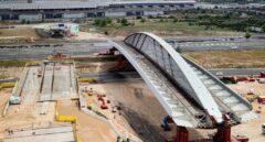 Ferrovial reduce sus pérdidas a la mitad y mejora su resultado pese al golpe del tráfico aéreo