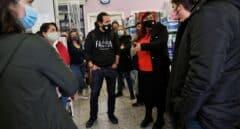 Iglesias, espantapájaros en Vallecas