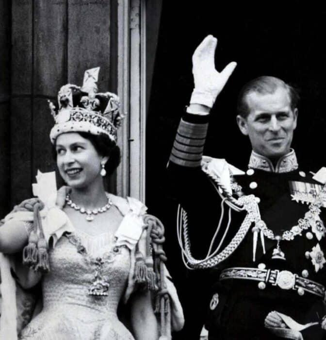 Isabel II y Felipe de Edimburgo: la boda que lo tenía todo en contra