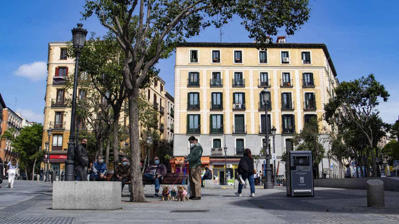 La Plaza de Lavapiés, siempre concurrida de vecinos