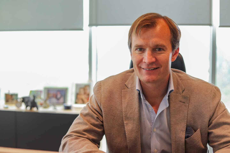 El CEO de MASMOVIL, Meinrad Spenger, en su despacho de las oficinas de la empresa en Madrid