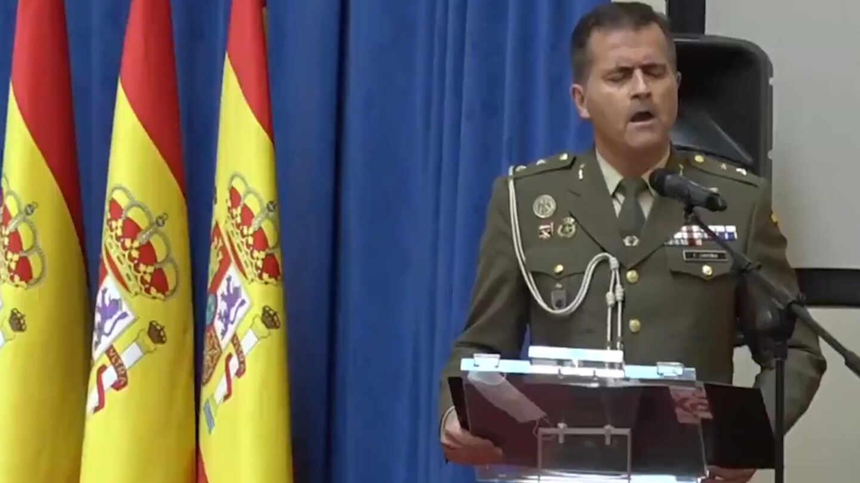 El militar que ha interpretado la famosa canción Hallelujah en el homenaje a las víctimas del coronavirus