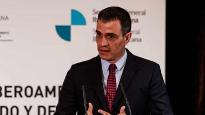 El presidente del Gobierno de España, Pedro Sánchez, tras la celebración del pleno del XXVII Cumbre Iberoamericana de Jefes de Estado y de Gobierno.
