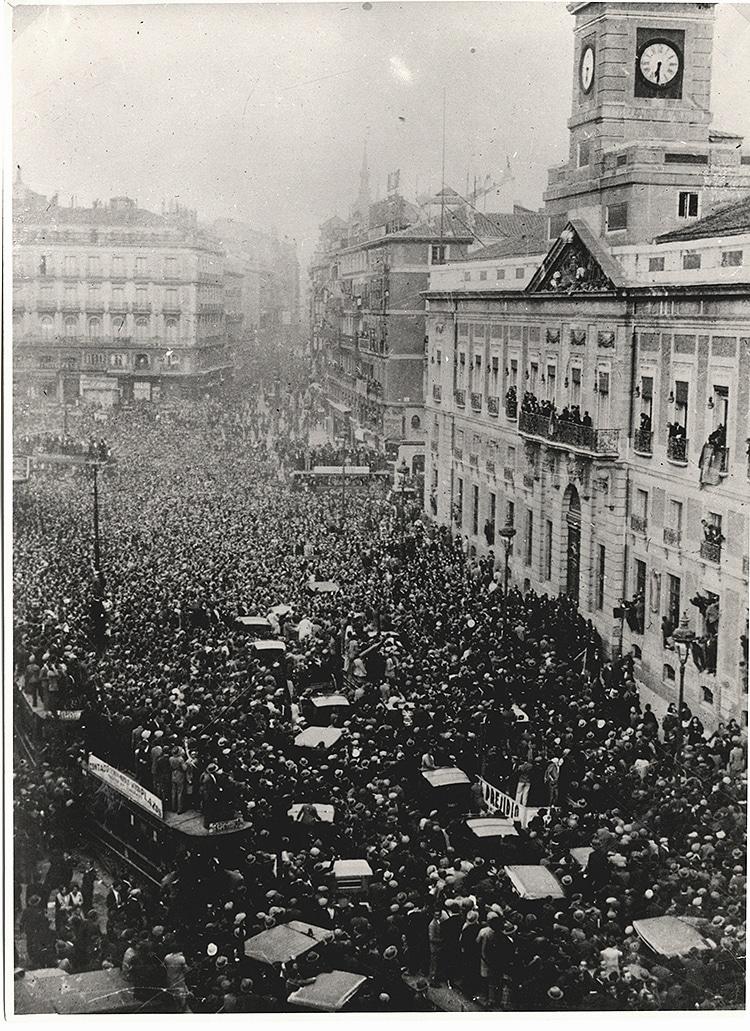 La proclamación de la II República en la Puerta del Sol, el 14 de abril de 1931