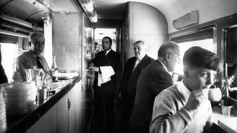 De la tracción a vapor a la liberalización del sector: Renfe cumple 80 años