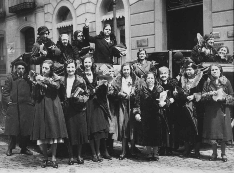 Sufragistas en la Calle Alcalá en 1932