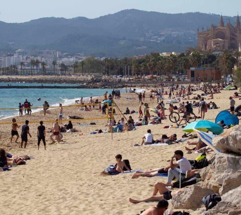 Los viajes de estudiantes a Mallorca causan más de 350 contagiados en al menos cinco comunidades
