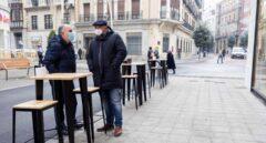Castilla y León cierra interior de bares de 31 municipios hasta el 3 de mayo
