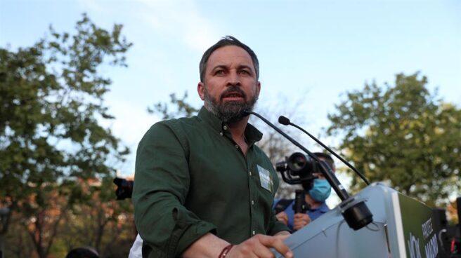 El líder de Vox, Santiago Abascal, en Vallecas.