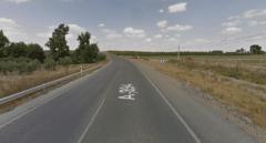 Muere una mujer tras la colisión frontal de su vehículo con un camión