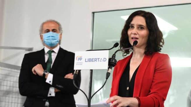 La presidenta de la Comunidad de Madrid y candidata a la reelección por el Partido Popular, Isabel Díaz Ayuso, presenta el programa social de su partido en la Fundación Carlos Martín en Madrid este lunes