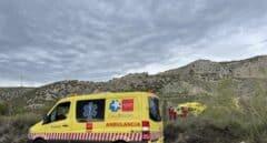 Muere un hombre aplastado por el coche que estaba reparando en Aranjuez (Madrid)