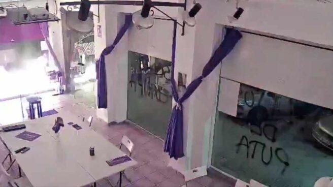 Ataque a la sede de Podemos en Cartagena con material explosivo