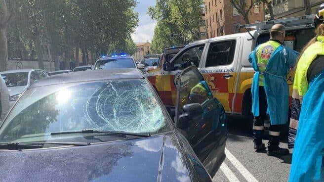 Imagen del coche dañado tras el atropello