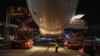 Sanidad tarda 332 días en publicar un contrato por gastos imprevistos en el transporte de material