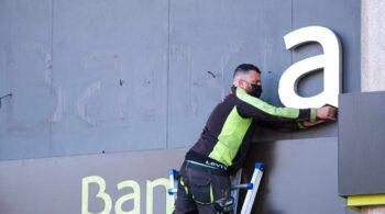 La banca se prepara para una tormenta en el empleo tras sumar 2.000 parados en un año