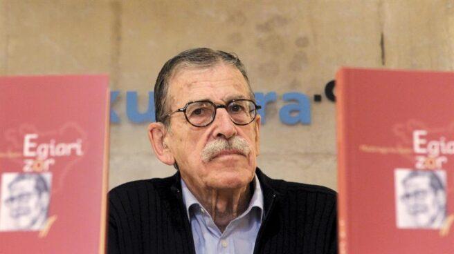 El fundador de ETA. Julen Madariaga, durante la presentación de su autobiografía.