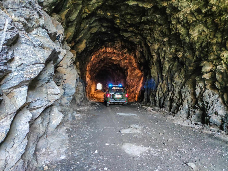 Túnel camino del embalse de Picadas