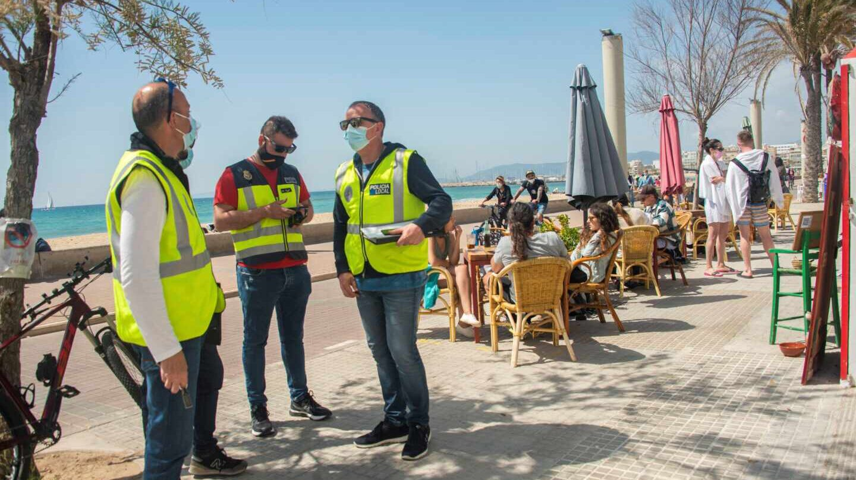 De Barcelona a Murcia: todas las fiestas ilegales y aglomeraciones desalojadas en Semana Santa