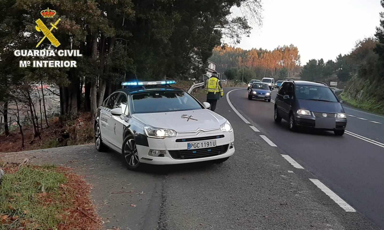 Una conductora cuadruplica la tasa de alcohol y pide ayuda a la Guardia Civil para regresar a su trabajo