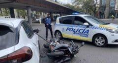 Herido grave un motorista tras embestirle un coche en la Castellana