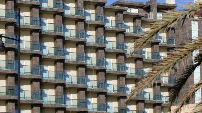 Hoteles en la playa Playamar, en Torremolinos, Málaga, cerrados durante el confinamiento decretado por el Estado de Alarma.