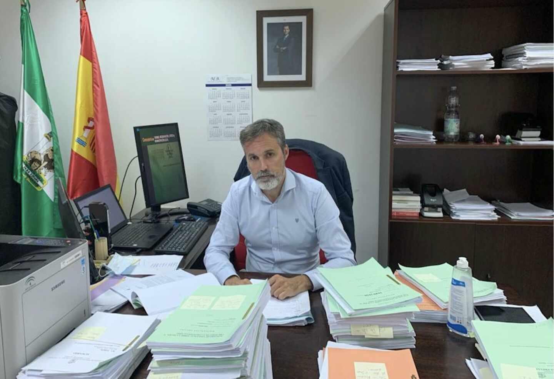 Jorge Fernández Vaquero, magistrado y portavoz nacional de la Asociación Judicial Francisco de Vitoria (AJFV), en su despacho.
