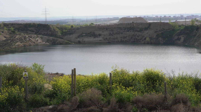 Vista de la laguna de Ambroz, en el distrito de San Blas-Canillejas, en Madrid.