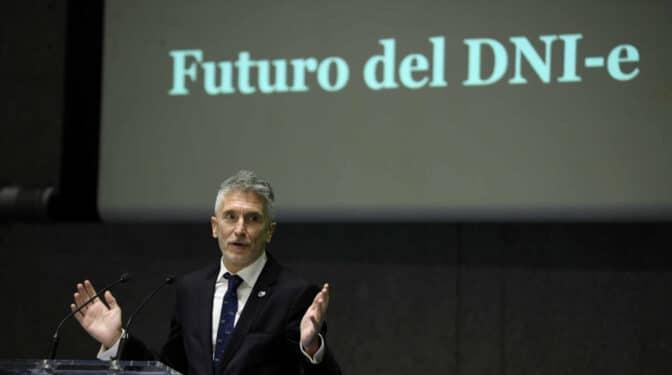 La Policía destinará más de 407 millones a la fabricación de DNI y pasaportes hasta 2025