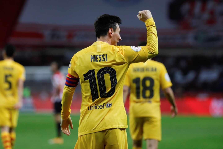 El delantero argentino del FC Barcelona, Leo Messi, celebra uno de los goles conseguidos en la final de la Copa del Rey